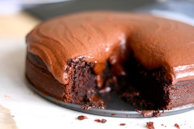 Svampet og snasket chokoladekage - med snask