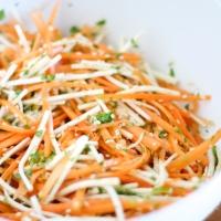 Teriyaki-flæsk med knasende syrlig salat - smagsdetonation