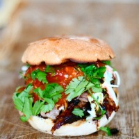 Pulled pork-sliders med det hele - rub og stub