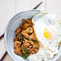 Phat kaphrao kai- aftensmad på 10 minutter